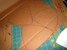 Happily Ever Crafter: DIY: Building a Medieval Helmet Out of Cardboard Hiccup Costume, Shrek Costume, Costumes, Celtic Costume, Medieval Banner, Knight Shield, Medieval Helmets, Knights Helmet, Diy And Crafts