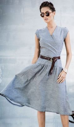 Spring fashion | Street grey dress, belt