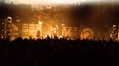 "Phil Anselmo with Black Label Society performing Pantera's ""I'm Broken"""