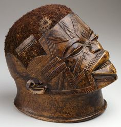 Makonde     Title:    Helmet Mask     Date:    late 19th-early 20th century     Medium:    Wood, hair     Dimensions:    8 5/8 x 6 x 9 1/4 in. (21.9 x 15.2 x 23.5 cm)     Credit Line:    The Ethel Morrison Van Derlip Fund     Location:    Gallery 254     Object Description         Classification:    Sculpture     Creation Place:    Africa, Mozambique, Central Africa region     Accession #:    74.77     Owner:    The Minneapolis Institute of Arts
