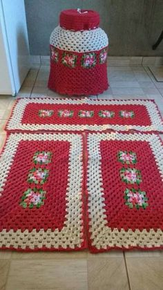 Crochet Kitchen Rug: Sets of Rugs and Walkthroughs – Newest Rug Collections Crochet Shawl Free, Crochet Cord, Love Crochet, Crochet Motif, Crochet Table Mat, Crochet Placemats, Crochet Kitchen, Kitchen Rug, Crochet Crafts