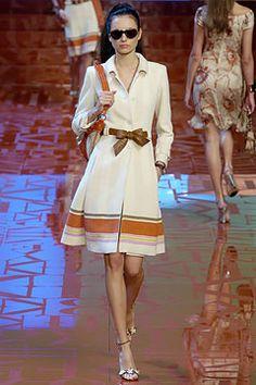 Sfilata Valentino Parigi - Collezioni Primavera Estate 2005 - Vogue