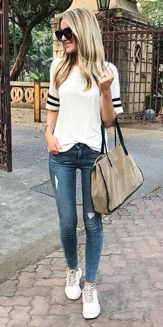 ootd t shirt + rips + bag