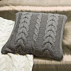 Knitting Patterns Pillow Oversized Cable Knit Pillow and Throw (Upcycled) Knitted Cushion Covers, Knitted Cushions, Knitted Blankets, Vintage Crochet Patterns, Vintage Knitting, Knitting Patterns, Stitch Patterns, Knitting Projects, Crochet Projects