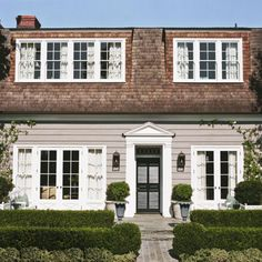 Get the Look: Colonial-Style Architecture Cape Cod Exterior, Brown Roofs, Dutch Colonial, Exterior Lighting, Traditional House, House Painting, House Colors, Curb Appeal, Farmhouse Decor