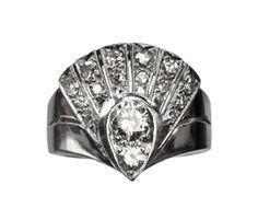 1930-40s 14kt wg art deco diamond fan cocktail ring