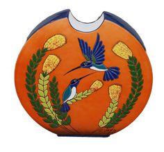 Keramiek Vega Ecuador, ronde platte vaas met Kolibries, oranje
