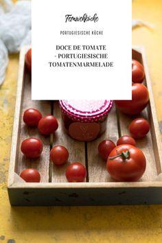 Falls du auf der Suche nach einem leckeren Rezept bist um ein bisschen Sommer-Aroma auf Vorrat zu konservieren, dann bist du hier genau richtig! Ich habe heute ein tolles Rezept aus meinerFernwehküchefür eine portugiesische Tomatenmarmelade –Doce de Tomate– mitgebracht, die für ein bisschen Abwechslung in der Vorratskammer sorgt.#docedetomate #tomatenmarmelade #portugiesischeküche #portugiesischetomatenmarmelade #rezepte #marmeladeeinkochen #marmelade