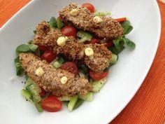 Egy gyors ebédre, vagy vacsorára is asztalra kerülhetnek ezek a finom, szezámmagos bundájú csirkemellcsíkok. Mivel kukoricakeményítővel van...