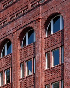 Fur­ther in­for­ma­tion to fol­low. Brick Architecture, French Architecture, Brick Design, Facade Design, Brick And Mortar, Brick And Stone, Hans Kollhoff, Glasgow, Brick Detail
