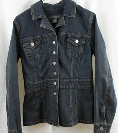 "Banana Republic women's small denim jacket   Bust 38""  Waist 36""  Length 24""  Sleave 25"" 