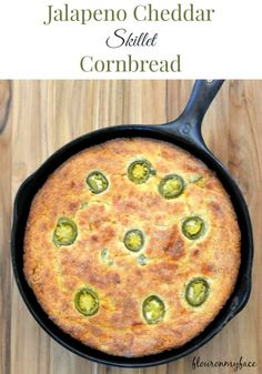 Low Unwanted Fat Cooking For Weightloss Jalapeno Cheddar Skillet Cornbread Splenda Recipes Tasty Bread Recipe, Bread Recipes, Cooking Recipes, Cooking Tips, Maseca Recipes, Jalapeno Cheddar Cornbread, Splenda Recipes, Skillet Cornbread, Iron Skillet Recipes