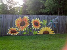12 Creative Fence Projects For Spring and Summer