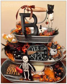 Halloween. Centerpiece. 3 tier stand serveware