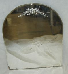 Small Curved Flower Top Mirror (throne room)