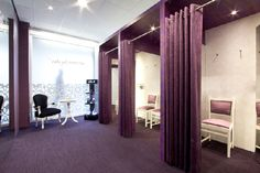 spacious dressing rooms with an intimate atmosphere - Interior Design Idea in