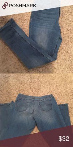 "NY&COMPANY Skinny Stretch Jeans size 14 Skinny stretch jeans in medium wash. 30"" inseam NY & Company Jeans Skinny"