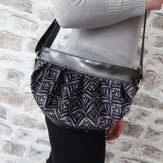 ✃ BY NATH sur Instagram: Et voici un petit aperçu du sac Cancan porté (version small) que j'ai cousu ces derniers jours. Encore un très beau modèle @patrons_sacotin…