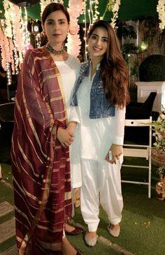 Pakistani Dress Design, Pakistani Outfits, Pakistani Clothing, Plain Dress, Dress Up, Pakistani Actress, Casual Wear, Formal Wear, Black White Fashion