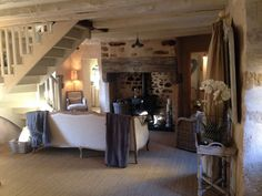 The living room at No1 French France…………..   BusyBee