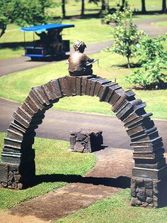 'Learning Curve' - Sculpture by Gary Lee Price -- Na 'Aina Kai Botanical Gardens - Kauai, Hawaii