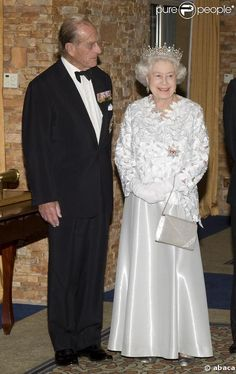 Queen Elizabeth II in a Gorgeous Ball Gown & Glittering Tiara! Royal Family Christmas, Royal Throne, Her Majesty The Queen, Prince Phillip, English Royalty, Elisabeth, Save The Queen, Bridesmaid Dresses, Wedding Dresses