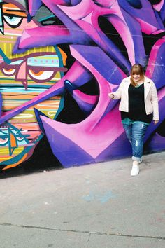 Plus Size outfit by kathastrophal.de // Streetstyle with boyfriend jeans + biker jacket