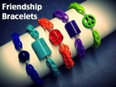 Friendship Bracelets :: Rainbow Loom Tutorial by Katie Hacker Rainbow Loom Bracelets Easy, Rainbow Loom Tutorials, Rainbow Loom Patterns, Rainbow Loom Bands, Loom Bands Tutorial, Nifty Crafts, Rubber Band Bracelet, Jewelry Crafts, Jewelry Ideas