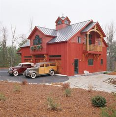 Carriage House - traditional - exterior - boston - by Northcape Design/Build Red Houses, Barn Houses, Barn Style Houses, Carriage House Plans, Barn Garage, Garage Shop, Garage Doors, Barn Renovation, Barn Living