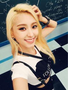 SISTAR - Yoon BoRa #윤보라 #보라 selca (Tw.) #셀카