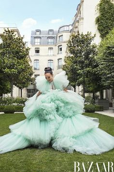 Crazy Rich Couture Crazy Rich Asians author Kevin Kwan travels to Paris to meet the Asian style icons who are shaking up the staid world of couture. Feiping Chang in Giambattista Valli Haute Couture ball gown and Messika Paris earrings. Crazy Dresses, Pretty Dresses, Beautiful Dresses, Weird Fashion, Asian Fashion, High Fashion, Vogue Fashion, Paris Fashion, Estilo Fashion