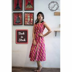 The variegated pink and gold The variegated pink and yellow side slit button dress is lovingly crafted to make you look like a magnificent… Kalamkari Dresses, Ikkat Dresses, Churidar Designs, Kurta Designs Women, Indian Designer Outfits, Designer Dresses, Dress Neck Designs, Blouse Designs, Kurta Neck Design