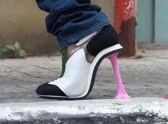 Nice high heel shoes! http://lagatitasottoleduetorri.blogspot.it/2012_06_01_archive.html