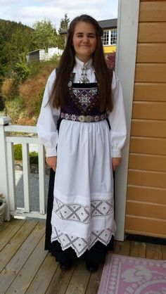 Hardangerbunad Folk Costume, Costumes, Hardanger Embroidery, Going Out Of Business, Norway, Scandinavian, Ethnic, Frozen, History