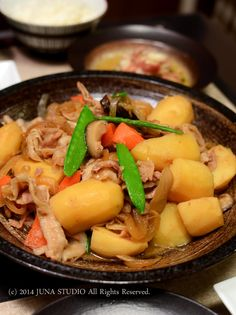 Japanese Nikujaga Meat and Potato Stew 肉じゃが