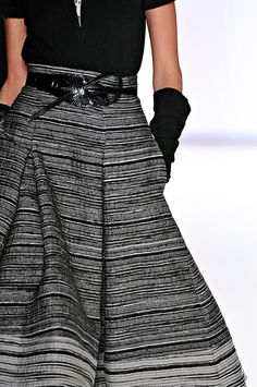 tinaschoices:Carolina Herrera. Love this!