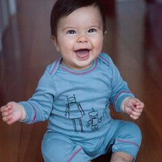 Happy Friday friends! Hope you're all as happy as this little nugget. ‪#‎perfectlybaked‬ ‪#‎bunsthatinspire‬ ‪#‎lafamilia‬ #kidsfashion #cutebabies #childrenwear