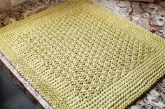 Free Tunisian Crochet Kitchen Dish Drying Mat Pattern #Tunisian #crochet #pattern