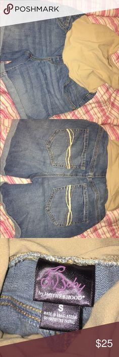 Maternity shorts Maternity shorts! Supeeer comfy and trendy! 😍 MAKE OFFERS Motherhood Maternity Shorts Jean Shorts