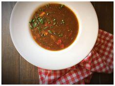 Hot & Sour Soup. Asiatische Gemüsesuppe.