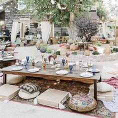 Daughters of Simone Co-Owner's Backyard Bohemian Bon Voyage Party Bon Voyage Backyard Bohemian Moroccan Party. Boho Garden Party, Garden Party Decorations, Summer Garden, Bohemian Party Decorations, Garden Party Wedding, Garden Parties, Bohemian Garden Ideas, Summer Backyard Parties, Bohemian Patio