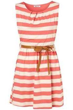 On a pris un beau virage au ligné cette année! Une robe de ce genre serait belle chez nous! Qu'en pensez-vous?