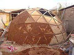 Geodesic Dome Greenhouse, Geodesic Dome Homes, Casas Country, Eco Construction, Dome Structure, Earthship Home, Mud House, Brick Architecture, Clay Houses