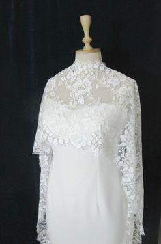 Ivory Lace Bridal Cape Tulle Shrug Wedding Tulle Cape by gebridal Bridal Bolero, Bridal Cape, Bridal Shrugs, Lace Shrug, Lace Dress, Bridal Outfits, Bridal Dresses, Tulle Wedding, Wedding Gowns