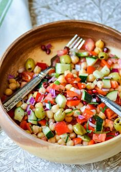 A 10 minute hearty dinner salad packed with proteins, vitamins, anti-oxidants, and a flavorful herb-citrus dressing! Wherever I'm time-pressed, this superfast and filling salad is my easy fix, for...