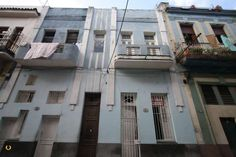 Apartments like this are going for excellent prices in Havana, Cuba. Check out the main http://www.havana-houses.com website for details.