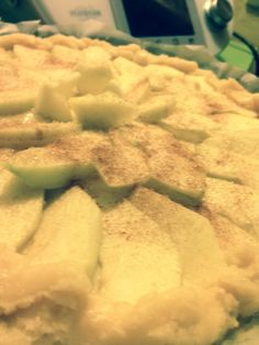 Torta di pasta frolla ripieno crema bimby copertura di mele... Autunno!