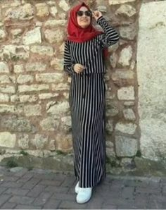 Hijab Style Dress, Modest Fashion Hijab, Hijab Chic, Casual Hijab Outfit, Abaya Fashion, Fashion Outfits, Muslim Women Fashion, Islamic Fashion, Hijab Fashionista