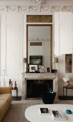 Parisian Chic Decor Ideas For Your Apartment - The Mood Palette - Parisian Decor is the epitome of elegant interior design. It's simple yet chic. It adds personali - French Interior, Modern Interior Design, Scandinavian Interior, Parisian Chic Decor, Home Design, Design Design, Fireplace Design, Home Decor Kitchen, Home Decor Accessories