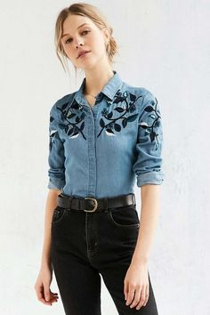 50 Diverse Ideas of Denim Jackets Decor - Outfits - Denim Fashion Denim Fashion, Look Fashion, Autumn Fashion, Fashion Outfits, Womens Fashion, Chemises Country, Looks Camisa Jeans, Vetement Fashion, Embroidered Clothes